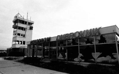 "Fotografija ""Zgrada Zračne luke Čilipi"" • MDRD F 3117"